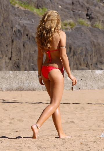 AMY WILLERTON TATİLDE 18