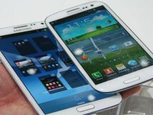 ESKİ MODEL TELEFONLAR YENİLERİYLE KARŞI KARŞIYA