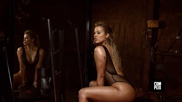 Khloe Kardashian 1