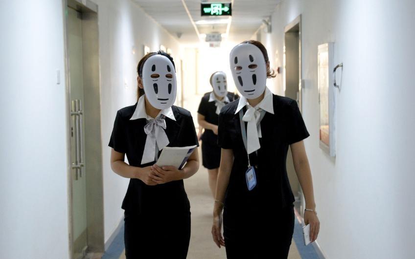 Haftanın bir günü maskeyle çalışıyorlar 1