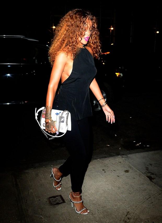 Rihanna nefes kesti 1