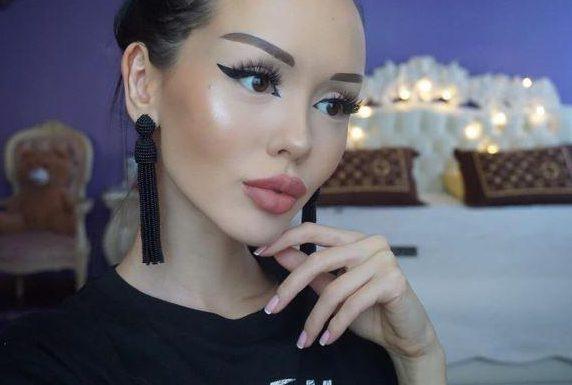Kazakistanlı Barbie sosyal medyada en çok paylaşılanlarda 6