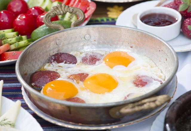 Kahvaltıda neler yemeliyiz ve nelerden uzak durmalıyız? 17