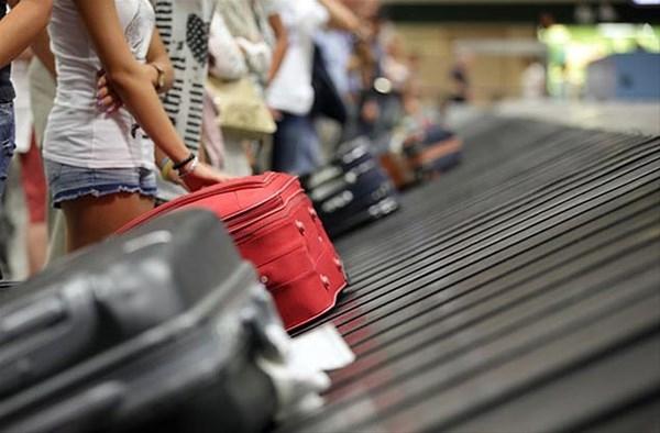 Uçakta bavulunuzu ilk almanın sırrını açıkladı 1