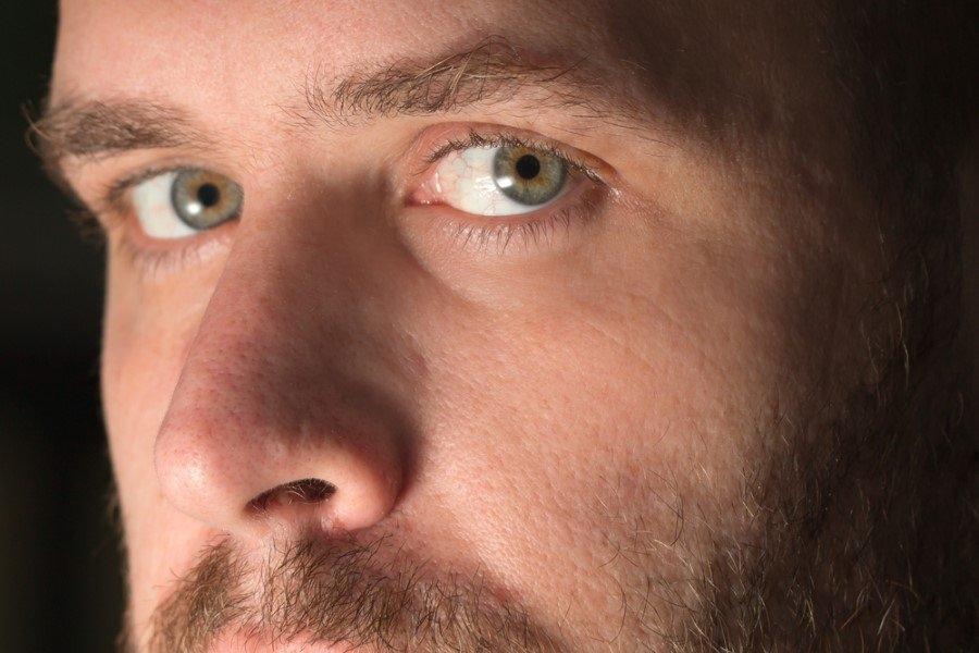 Göz rengi karakteri etkiler mi? 10