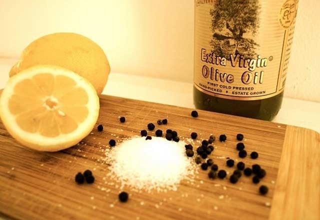 Limonun üzerine tuz ve karabiber döküp yerseniz... 5