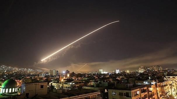 Suriye'de vurulan tesisler uydudan görüntülendi! 1