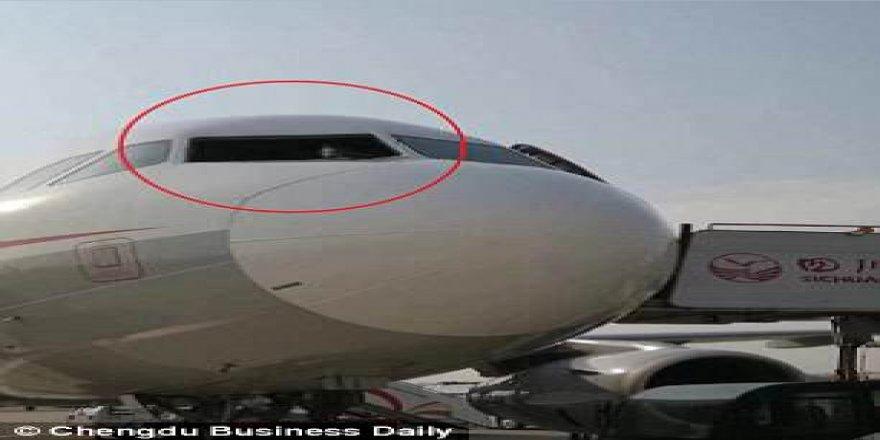 Dünyayı şoke eden olay! Pilot camdan fırlıyordu ki…