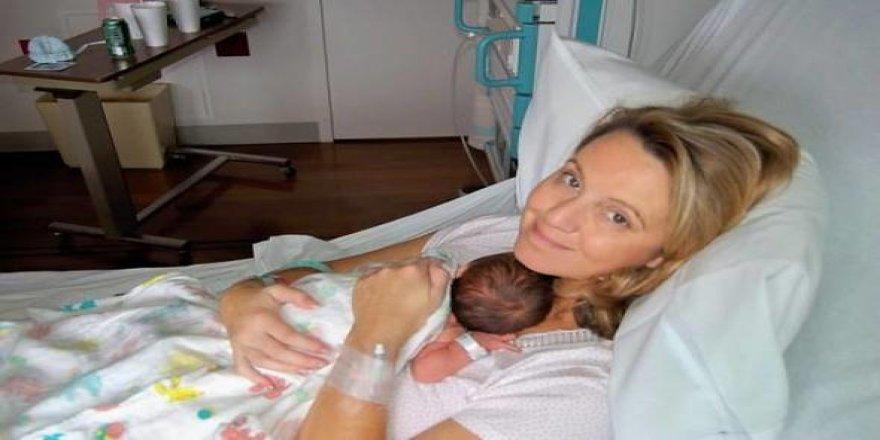 10 yılın ardından hamile olduğunu öğrendi...