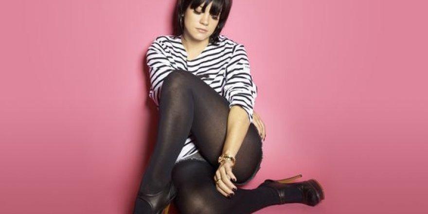 Ünlü şarkıcı: Para vererek cinsel ilişkiye girdim