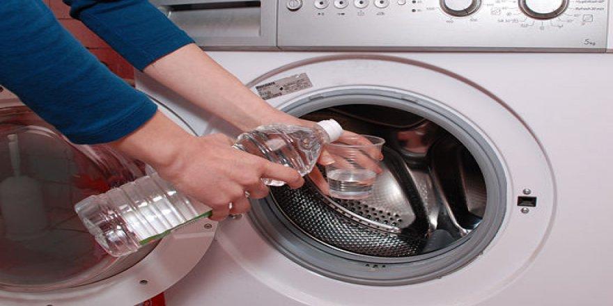 Çamaşır makinesine sirke ekleyip çalıştırırsanız...