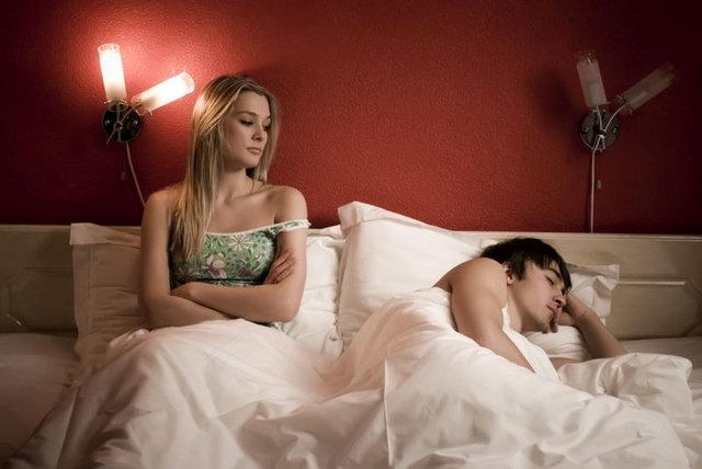 фото мужчина и женщина в постели