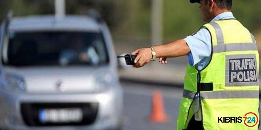 POLİSTEN GAZİMAĞUSA VE GİRNE'DE ASAYİŞ VE TRAFİK OPERASYONU
