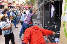 MEKSİKA`DA ÖĞRETMENLERİN PROTESTOSU FACİAYA DÖNÜŞTÜ