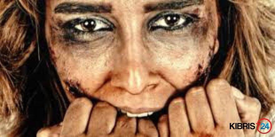 ÖZGÜVENİNİ KAYBEDEN ERKEK ŞİDDETE BAŞVURUYOR!