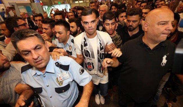 Beşiktaş'ın bomba transferi Pepe İstanbul'da!