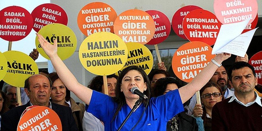 """STATÜKO KKTC'Yİ TESLİM ALDI"""