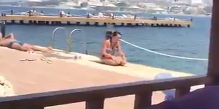 Bikiniyle namaz kılan kadın sosyal medyanın gündemine oturdu