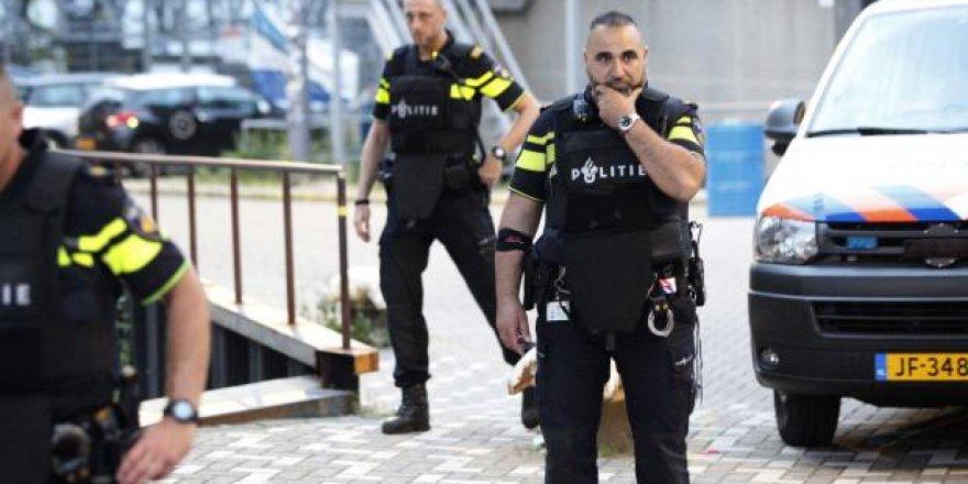 Hollanda'da terör alarmı!