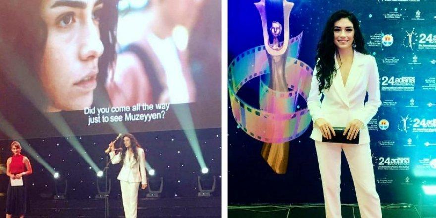 Hazar Ergüçlü'ye Umut Veren Genç Kadın Oyuncu ödülü!