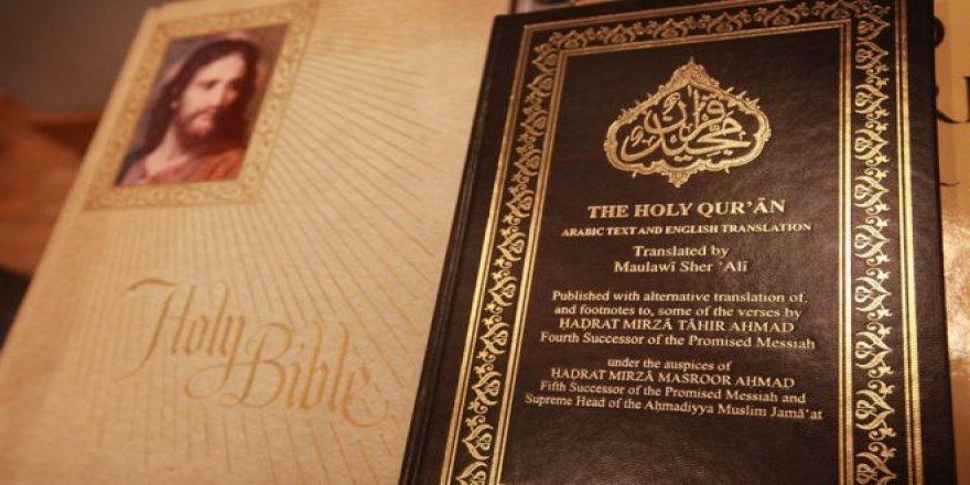 İtalya'da bir ilkokuldaki din dersinde İncil ve Kuran birlikte okutuluyor