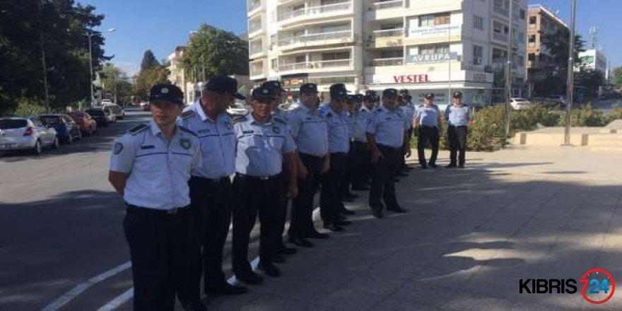 POLİSTEN EYLEM ÖNLEMİ!