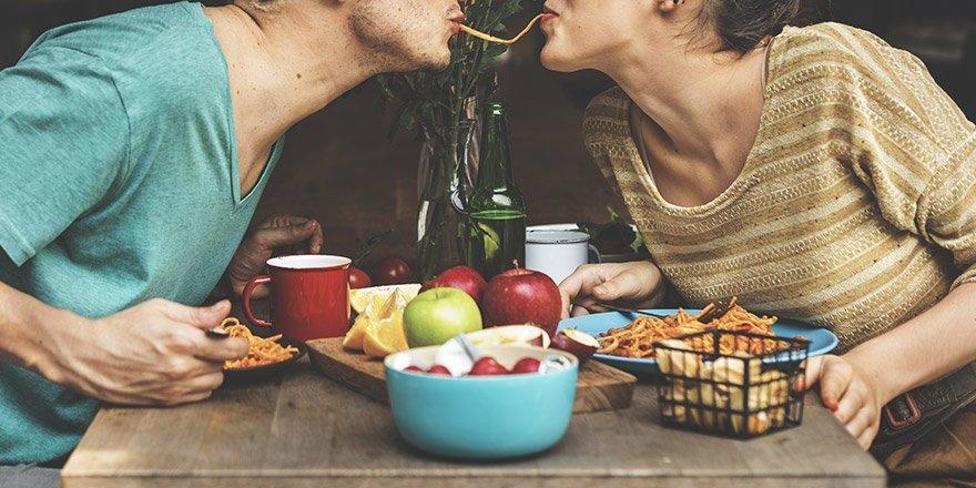 Bilim cevapladı: Aşk kilo aldırır mı?