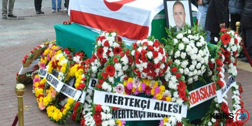 TAHSİN MERTEKÇİ SEVENLERİ ARASINDA SON YOLCULUĞUNA UĞURLANDI