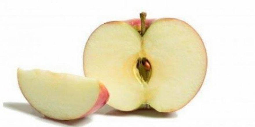 Kararmayan elma satışa sunuluyor
