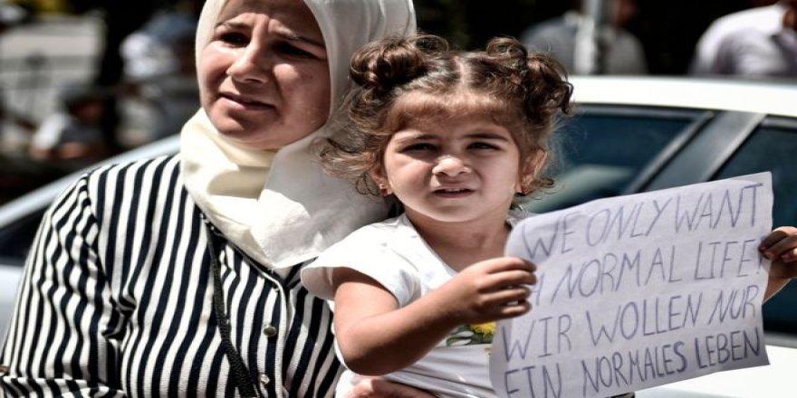 Almanya geri dönmeyi kabul eden göçmen ailelere 3000 euro, İsveç ise 9 bin dolar veriyor