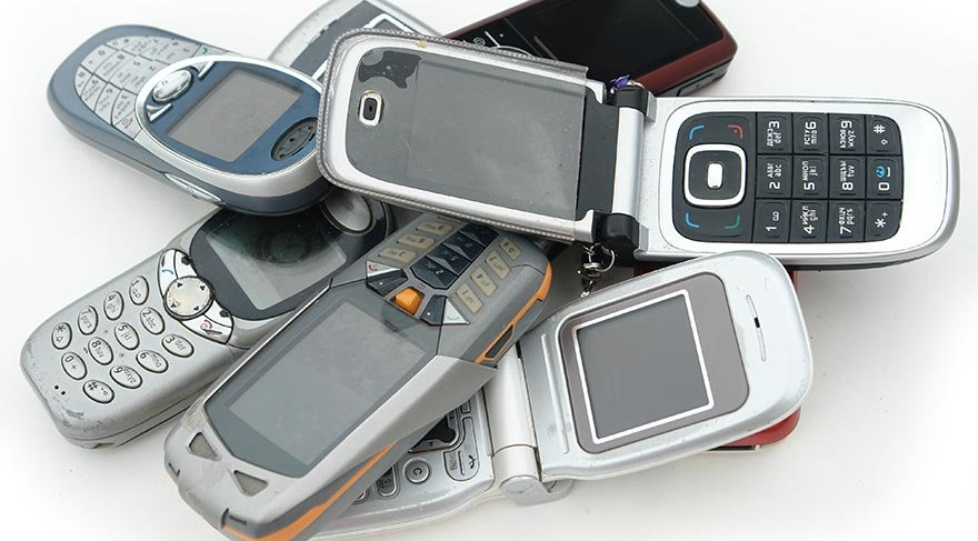 ELİNİZDE GEÇMİŞİN EFSANESİ O MODEL TELEFON VARSA SERVET KAZANDINIZ DEMEKTİR!