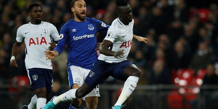 Everton taraftarından Cenk Tosun'a mesaj: 'Lütfen geri dön. Bu acıyı hak etmiyorsun'