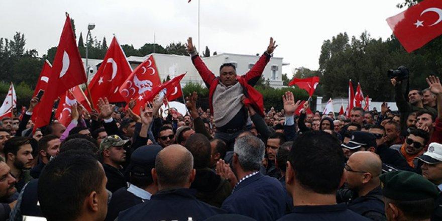 """""""TARİHİMİZDEKİ EN BÜYÜK UTANÇLARDAN BİR TANESİ"""""""