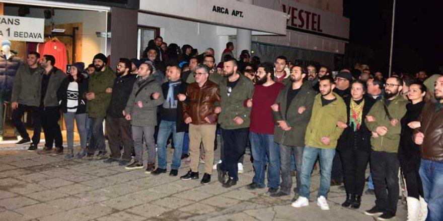 İKİ GRUP KARŞI KARŞIYA GELDİ!