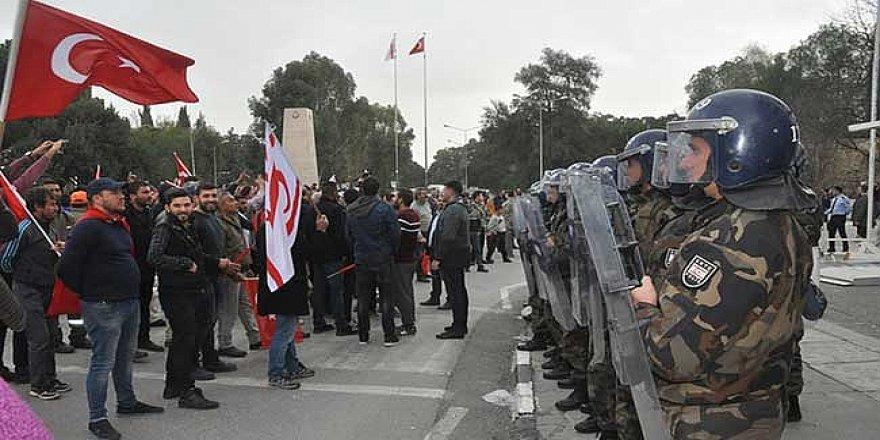 POLİS SİVİLE BAĞLANMALI!