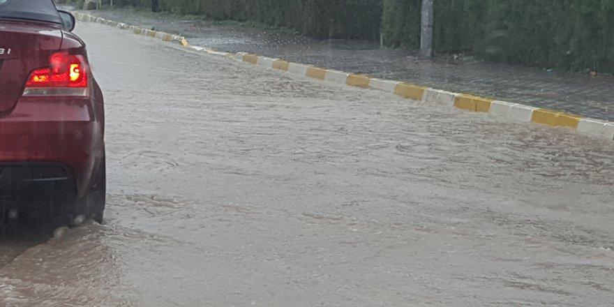 Girne İnisiyatifi: Girne'de normal yağışlar bile sele sebep oluyor