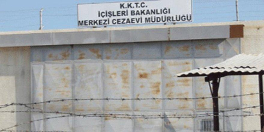 """""""OĞLUM 3 GÜN DAYAK YEDİ!"""""""