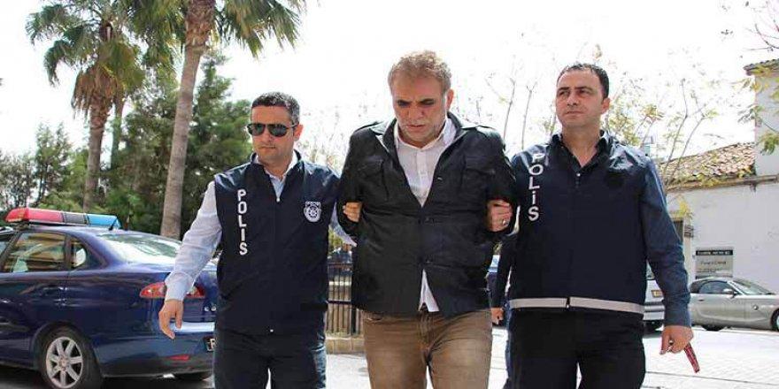 """""""SERBEST KALIRSA EŞİNİ VE KIZINI ÖLDÜRTÜR!"""""""