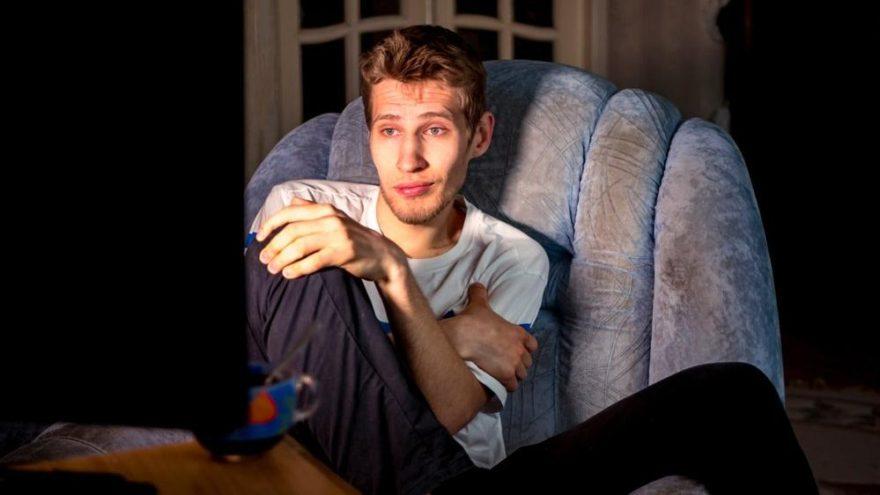 Cinsel içerikli film izleyenler dikkat…