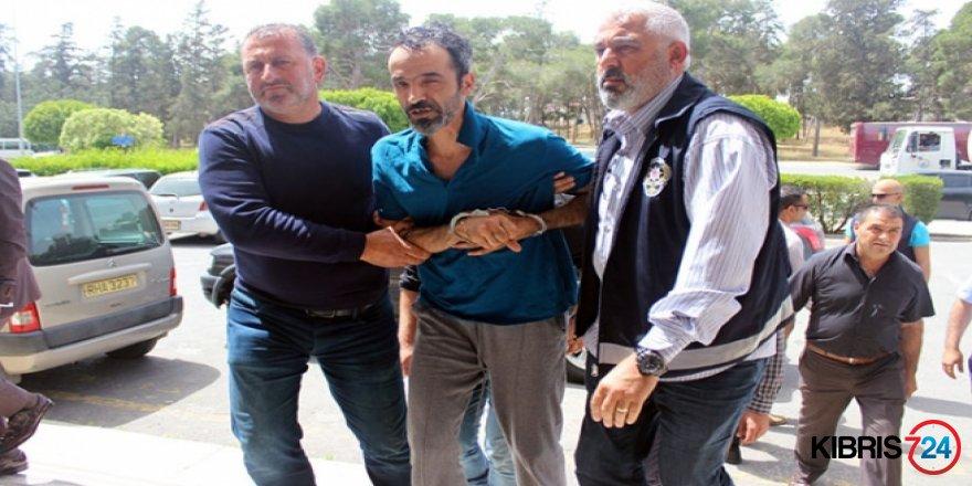 """ÖZGÜR GAYET SOĞUK KANLIYDI!"""