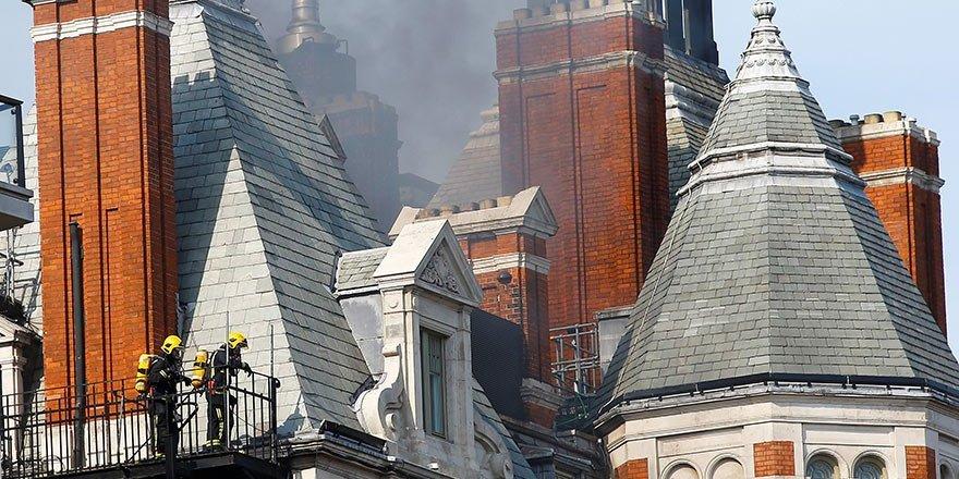 LONDRA'DA BÜYÜK YANGIN