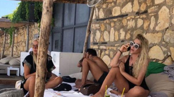 Selin Ciğerci'nin Mayolu Fotoğrafları Olay Oldu!