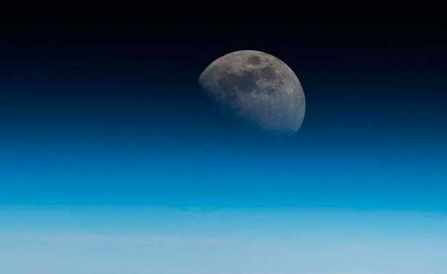 Yörüngedeki astronottan 'Ay' paylaşımı