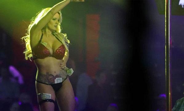 Striptiz kulübünde gözaltına alındı!