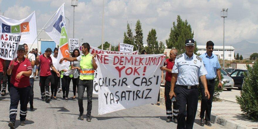 EYLEMCİLER VE POLİS ARASINDA ARBEDE!