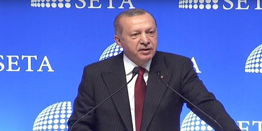 """ONLARIN İPHONE'U VARSA ÖBÜR TARAFTA SAMSUNG VAR."""