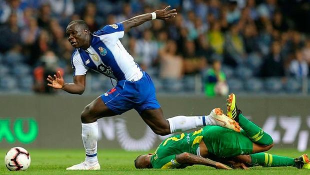 Porto'da G.Saray maçı öncesi çifte şok!