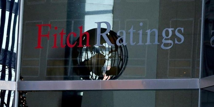 Fitch 20 Türk bankasının notunu indirdi