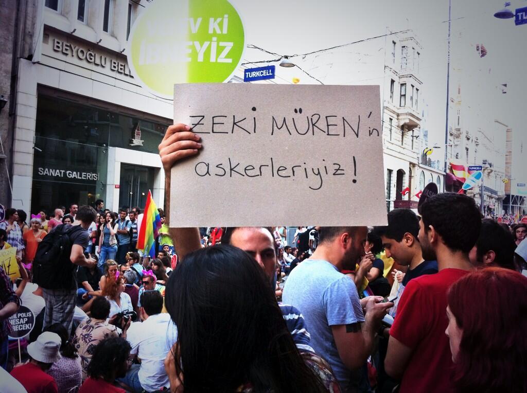 TAKSİM'DE LGBT ONUR YÜRÜYÜŞÜ