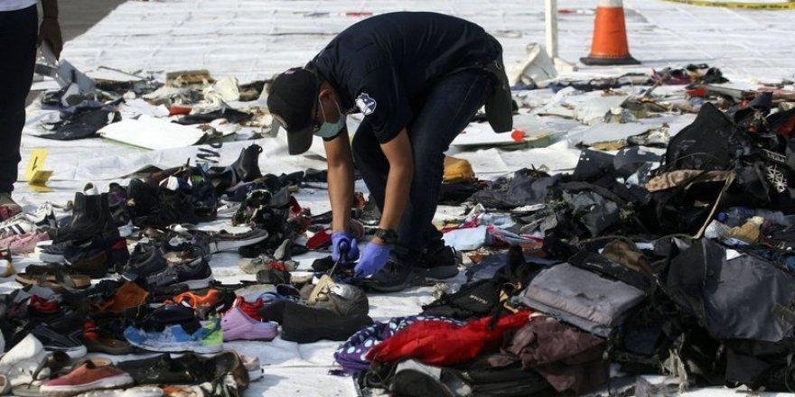Endonezya'da denize düşen uçağın karakutu verilerine ulaşıldı